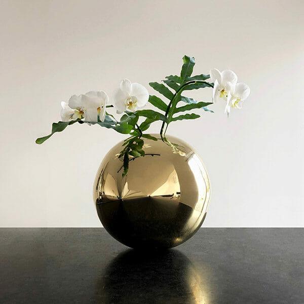 Vas Circle, Mässing