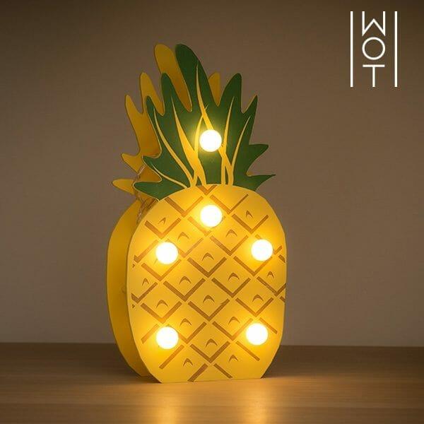 Bordslampa Ananas LED