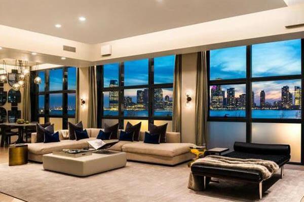 Mäklaren Fredrik Eklund säljer sin lyxvåning i New York