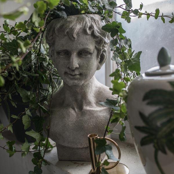 On Interior Vas Staty, Grå