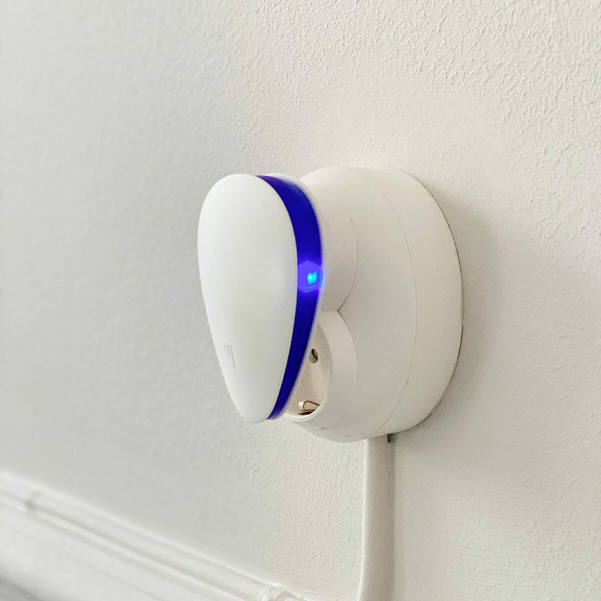 Avskräckare mot insekter och gnagare med LED